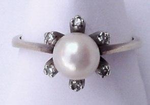 ring585_perle_6brillant_gr17_02